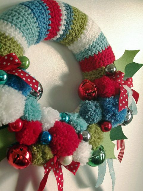 Christmas Wreath - Inspiration - No Pattern - (juliacrosslandart)