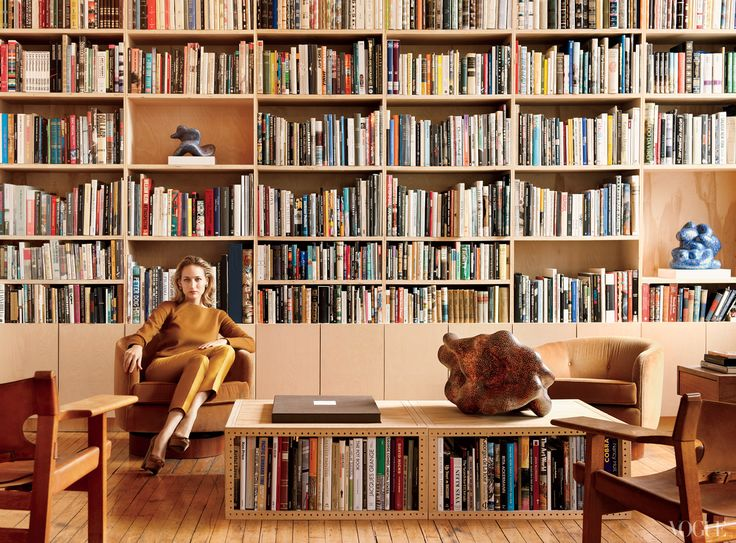 Lee Lee Sobieski's house is full of books and glory.Leelee Sobieski, Bookshelves, Dreams Libraries, Dreams Big, Home Libraries, Book Shelves, Leele Sobieski, Adam Kimmel, Tribeca Loft