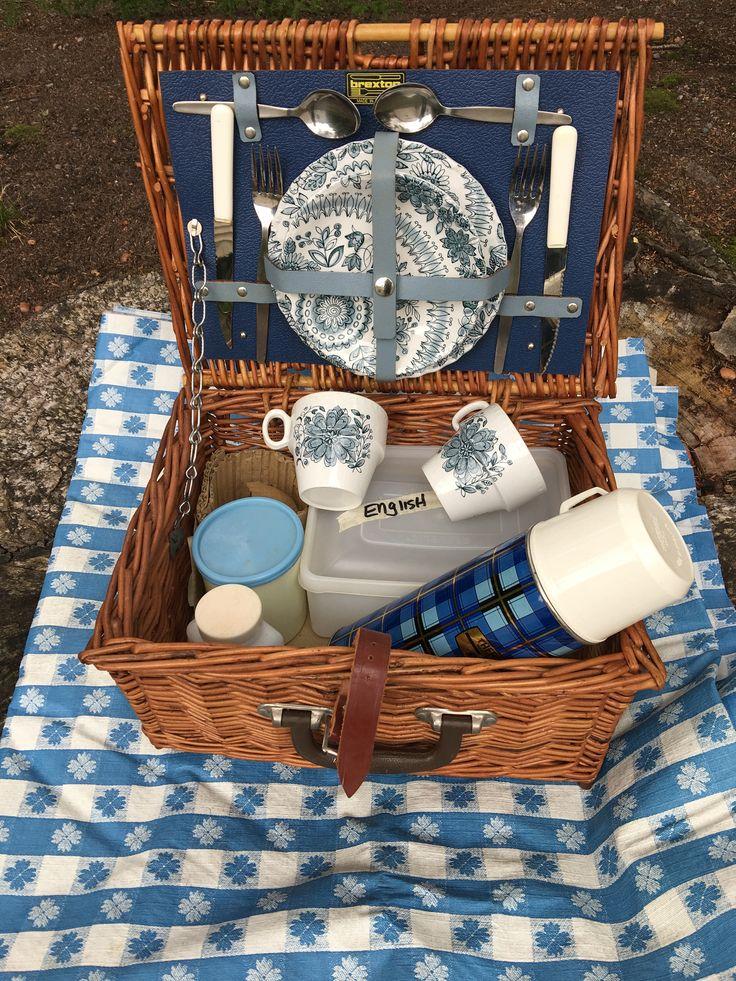 Picnic Basket Spotlight : Best blue picnic images on baskets