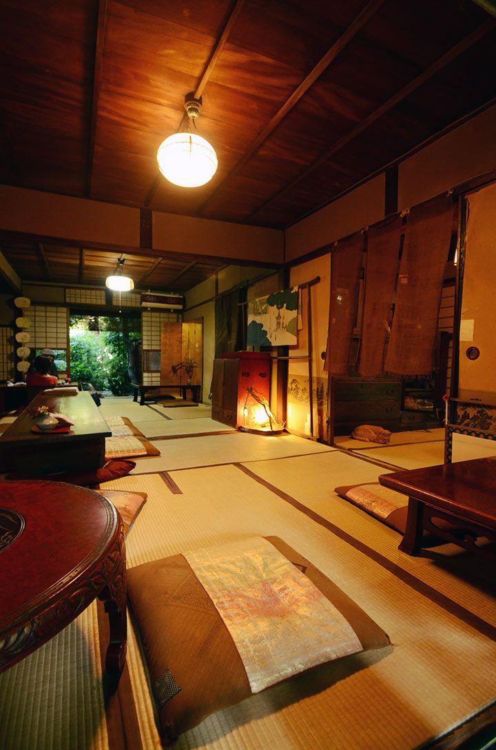 Kyoto Nama Chocolate Organic Tea House, Kyoto. Hand made chocolate cakes in a machiya cafe