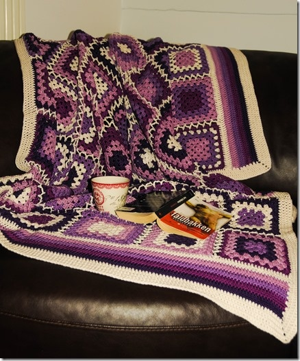 http://hobbyvimsen.blogspot.no/2013/02/heklet-teppe-rosmarin.html  #crochet #heklet #grannysqueers #bestemorsruter #oldemorsruter