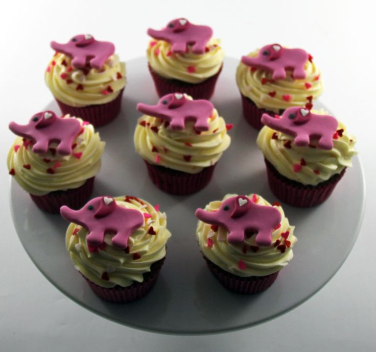 Pink Elephant Cupcakes Like us at www.facebook.com/melianndesigns
