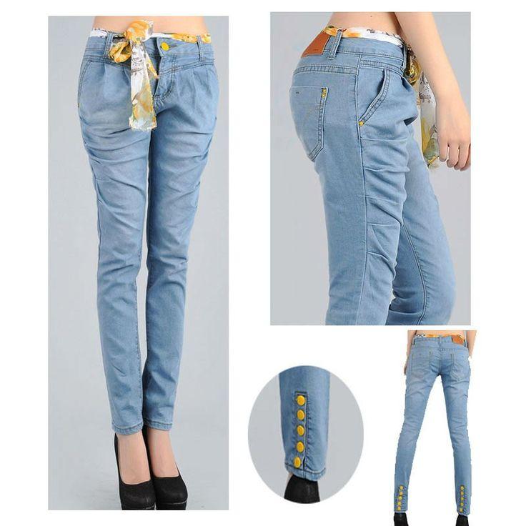 Colección Pantalones Mujer. Nuestra amplia colección de pantalones ofrece una variedad de estilos, desde palazzo, pantalones de rayas y con estampados, pantalones estilo jacquard hasta los mejores jeans de mujer.