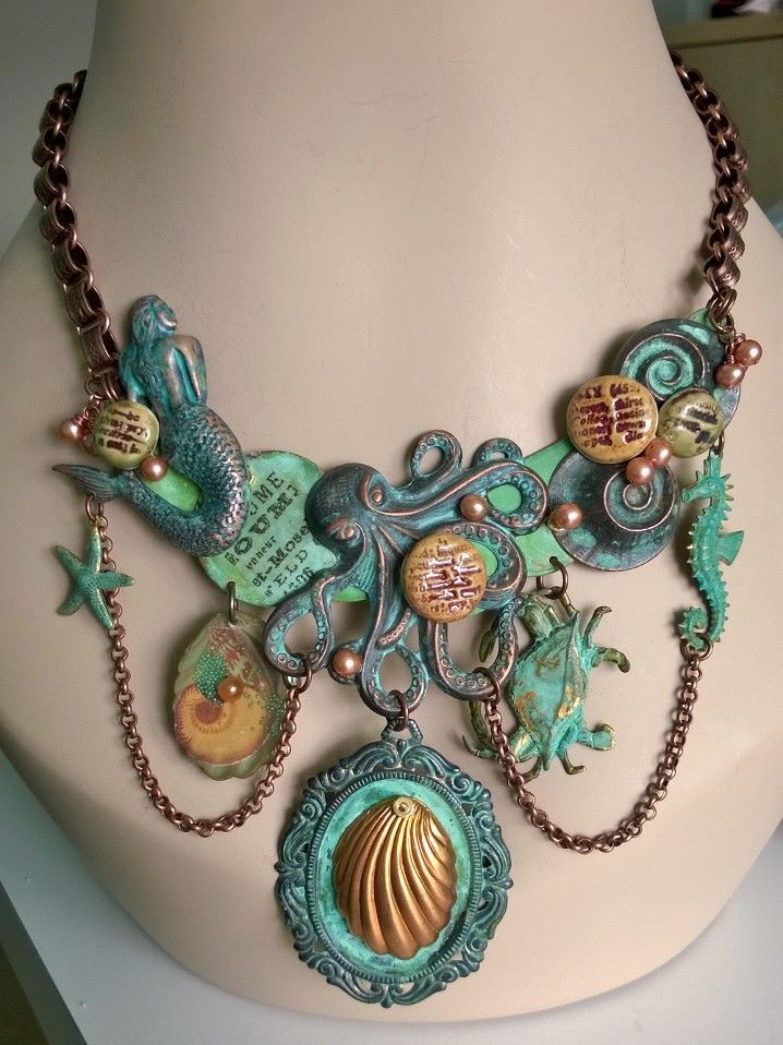 LIKE THE CHAIN FROM SEAHORSE........................Flotsam and Jetsam necklace created by Renee Webb Allen of Small Stuff Design.