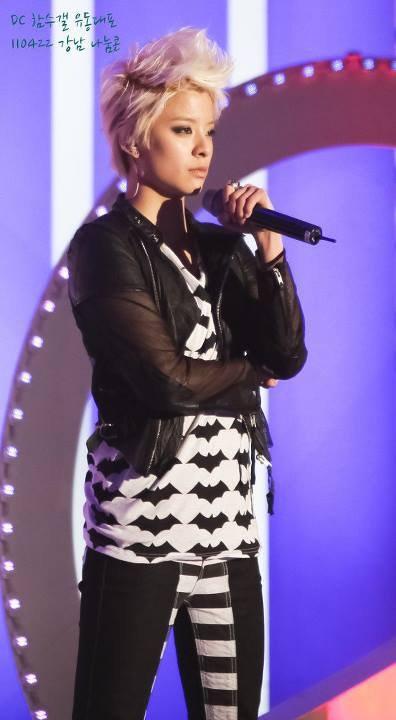 Amber singer transvestite la
