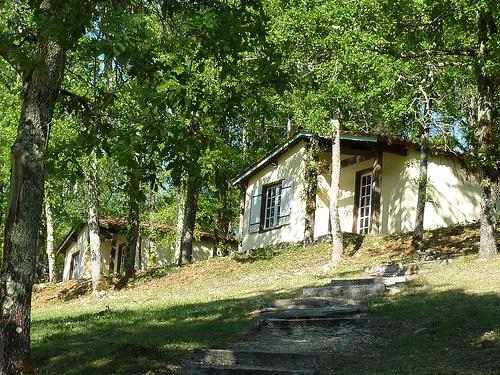 Camping Village 4 étoiles, le Moulin de Surier. Dordogne-Périgord  www.lemoulindesurier.com