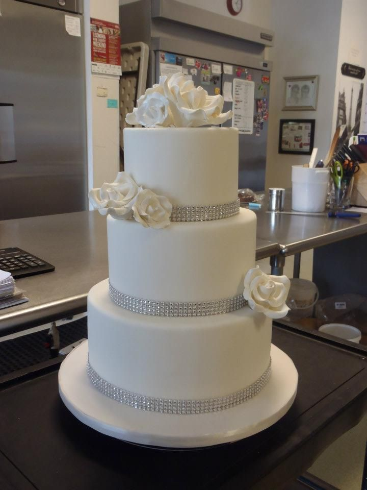 Traditional Three Tier Fondant Wedding Cake With Gum Paste Roses And Rhinestone Bands Cakes Pinterest