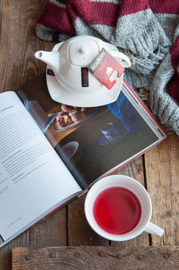 Za oknem ostatnio tak zimno, że nie mam ochoty wychylać nosa z domu. Długie, zimowe wieczory umilam sobie filiżanką doskonałej herbaty Richmont. Lubię aromatyczne herbaty, ale takie które smakują naturalnie…