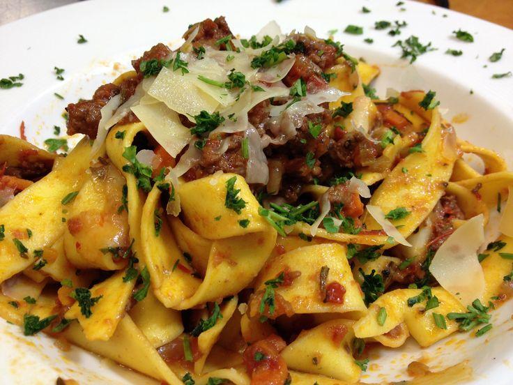 Met deze Italiaanse stoofschotel hoef je geen uren in de keuken te staan terwijl je gasten hebt. Ideaal voor de feestdagen en lekker met pasta of polenta!