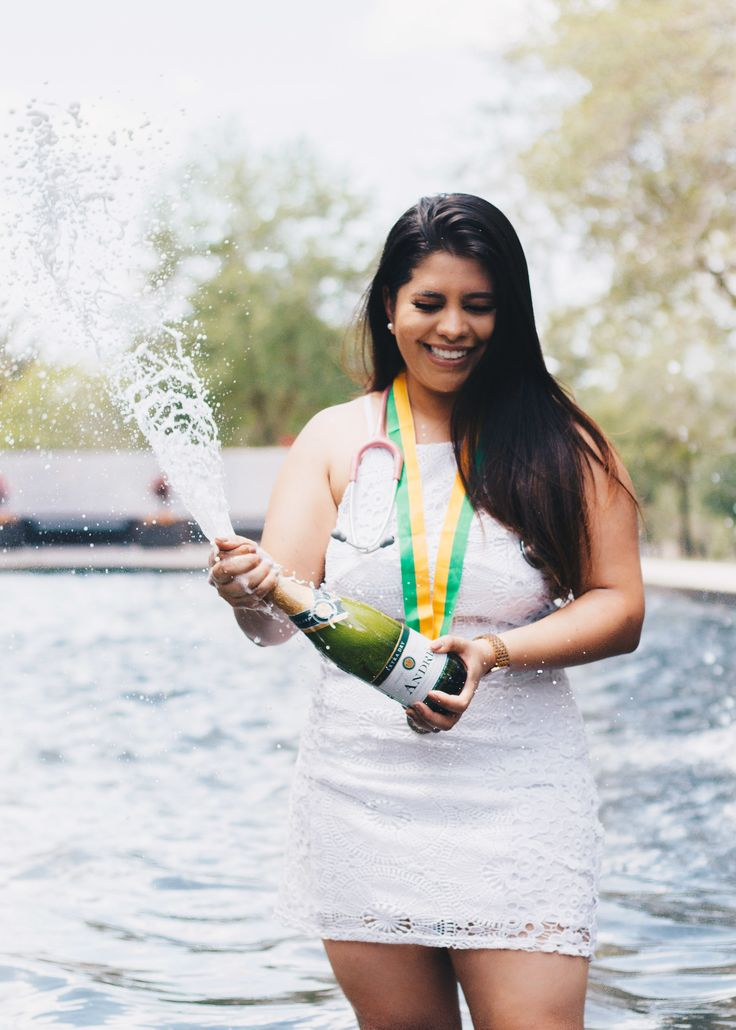 Graduation // Photoshoot // USF University of South Florida // Champagne Explode // Girl // Nurse // Gold // Silver Green // Graduate Poses // Magic // Photo by smrProject - Stephanie Rosario