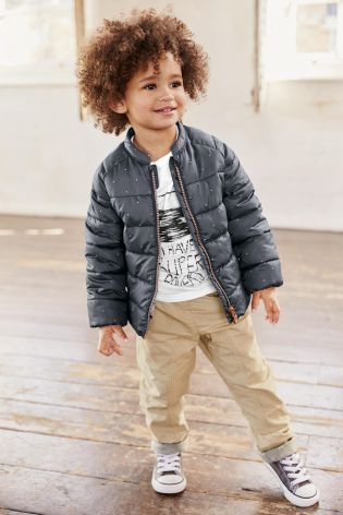 Planning plenty of activities during the Easter holidays? This is the perfect outfit for a busy day out!