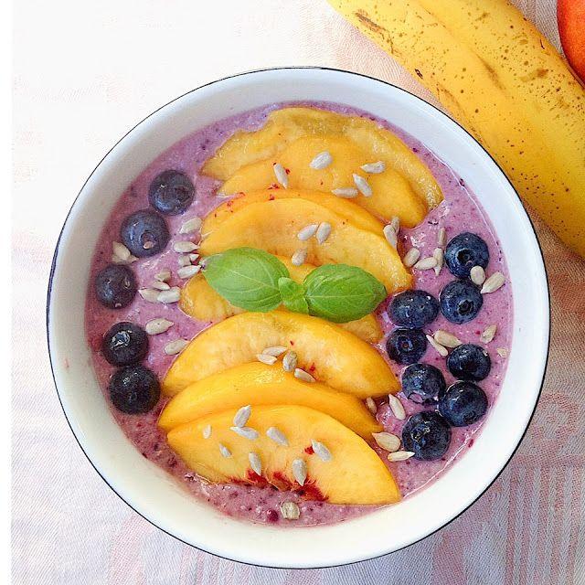 My Casual Brunch: Smoothie de frutos vermelhos com pêssego e mirtilo...