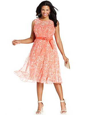 Jessica Howard Plus Size Sleeveless Floral-Print Seamed Dress www.macys.com