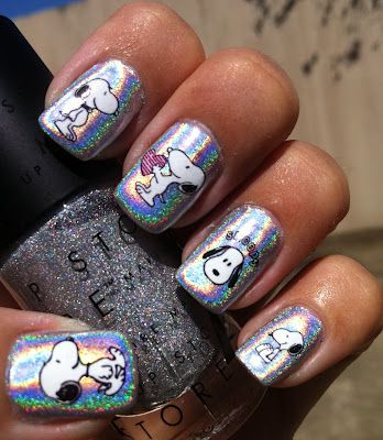 Wow look at these Snoopy nails! #Snoopy #Peanuts