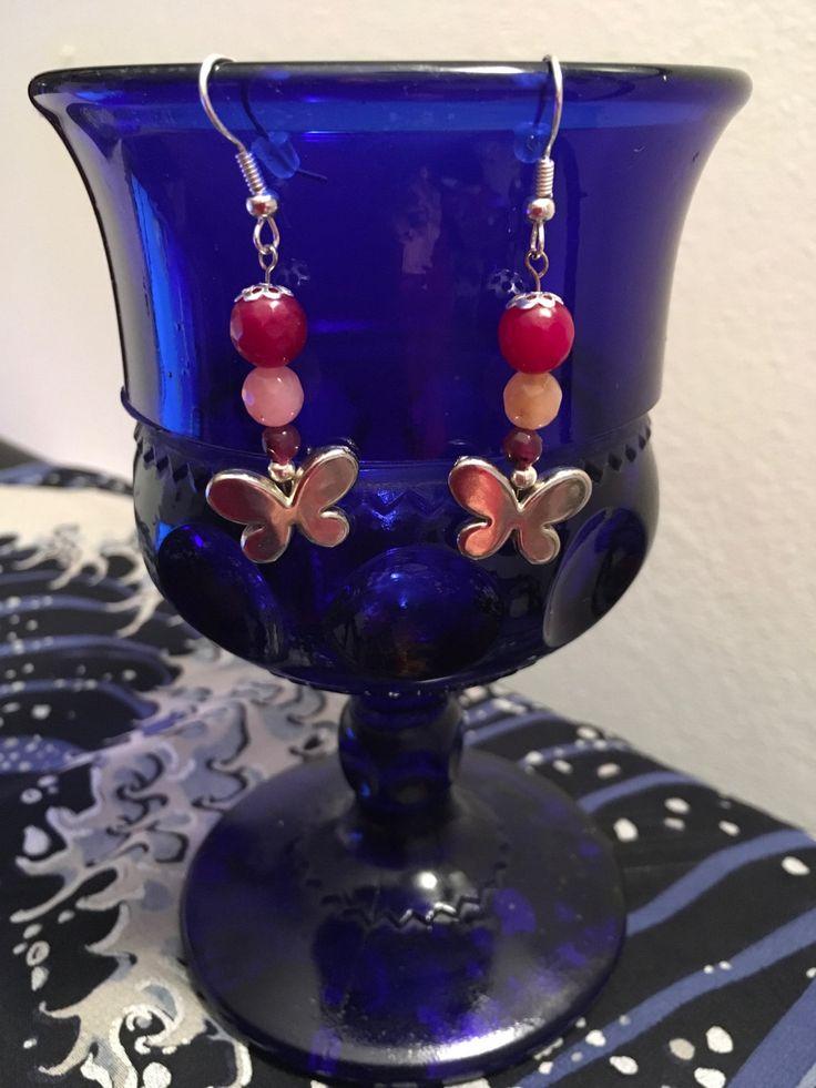 Orecchini con farfalla e perle di vetro rosa di ViVaDreams su Etsy