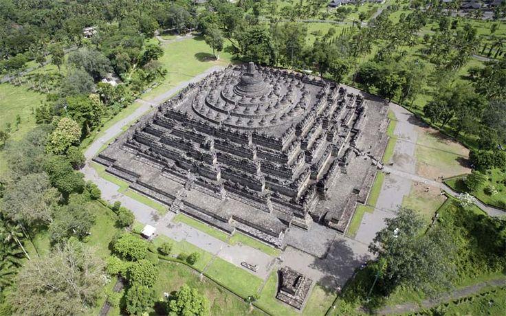 Bezoek de machtige Borobudur tempel, gelegen in Centraal-Java. Rondreis - Vakantie - Cultuur - Borobudur tempel - Centraal-Java - Yogyakarta - Original Asia