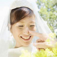 読まない派の人は、渡すだけでもOK! 披露宴で読む「花嫁から両親への手紙」の参考アイデア。