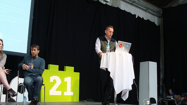 Rebuild21 Founder, Sofus Midtgaard acts as moderator for the 21st Century Business Panel.