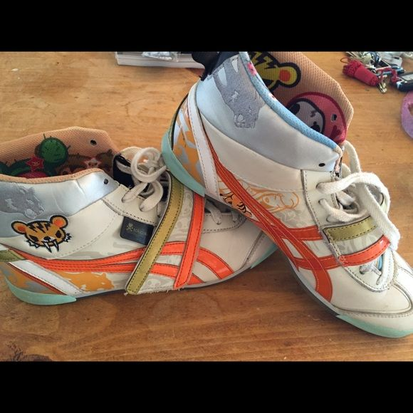 RARE ONITSUKA TIGER LIMITED EDITION TOKIDOKI SHOES These shoes are freakin awesome. Gently used as you can see by the slight scuffing, but overall they are in damn good condition. tokidoki Shoes