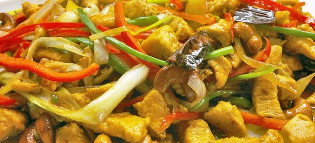 Kylling med cashewnødder (Gai pat med mamuang hinmapahn)