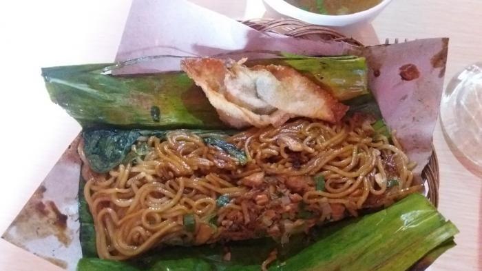Bakmi Bakar Lampung - Unik, Menu Mie di Sini Tak Diolah Dengan Cara Digoreng Atau Direbus