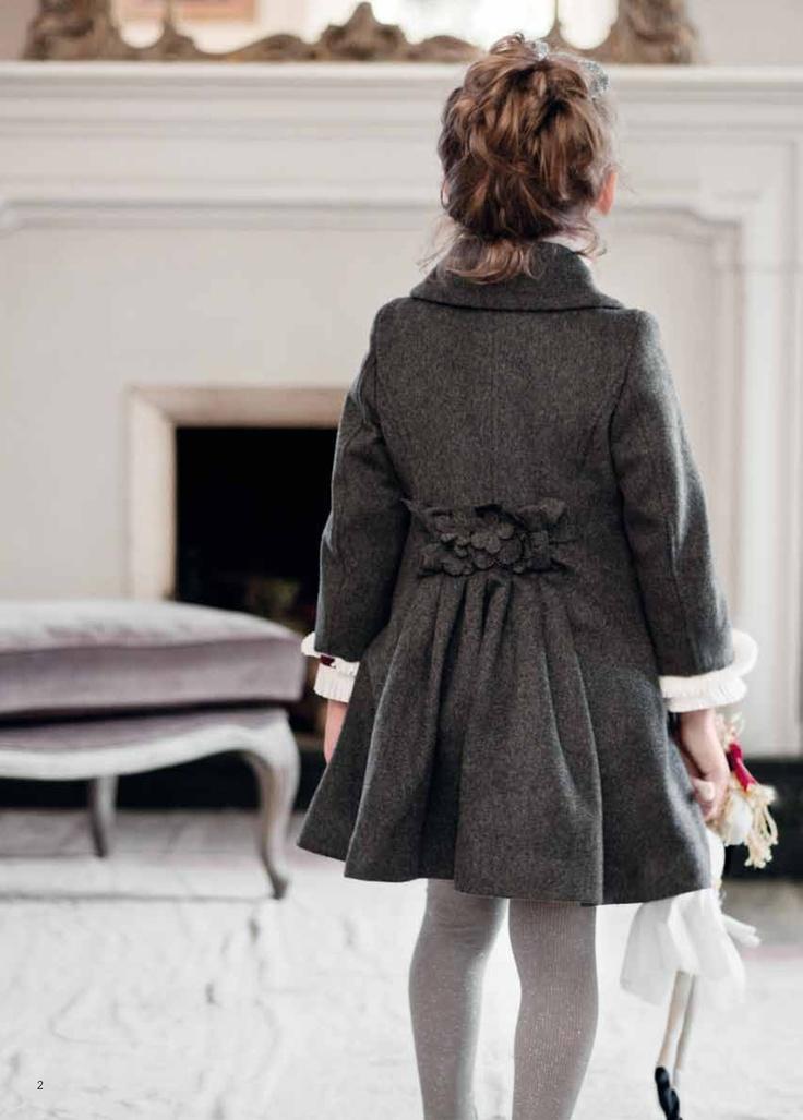 Grey little girls coat - back flower detail