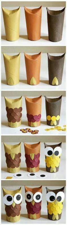 Búhos con cartones de papel higiénico