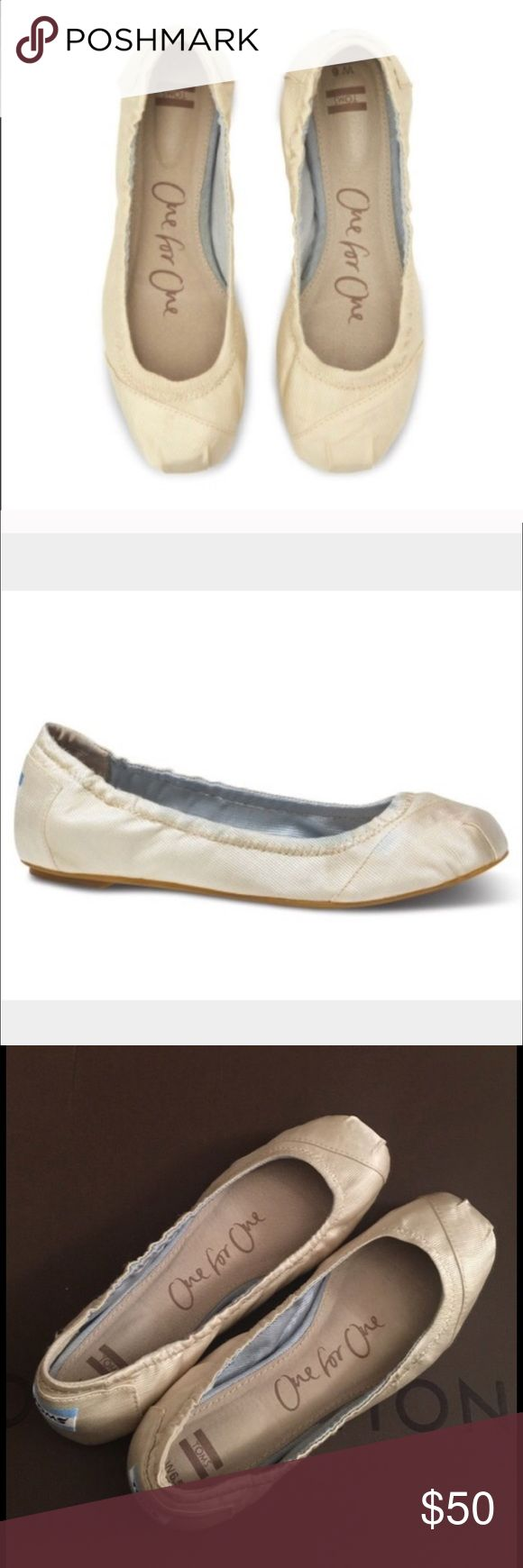 Toms ballerina flats Like new worn twice TOMS Shoes Flats & Loafers