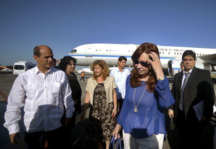 """CFK en Cuba: """"Siempre para mí es un placer inmenso estar aquí en esta tierra que ha sido un ejemplo de heroísmo, de coraje y de convicciones. """" --- http://www.cfkargentina.com/cristina-en-cuba-2/"""