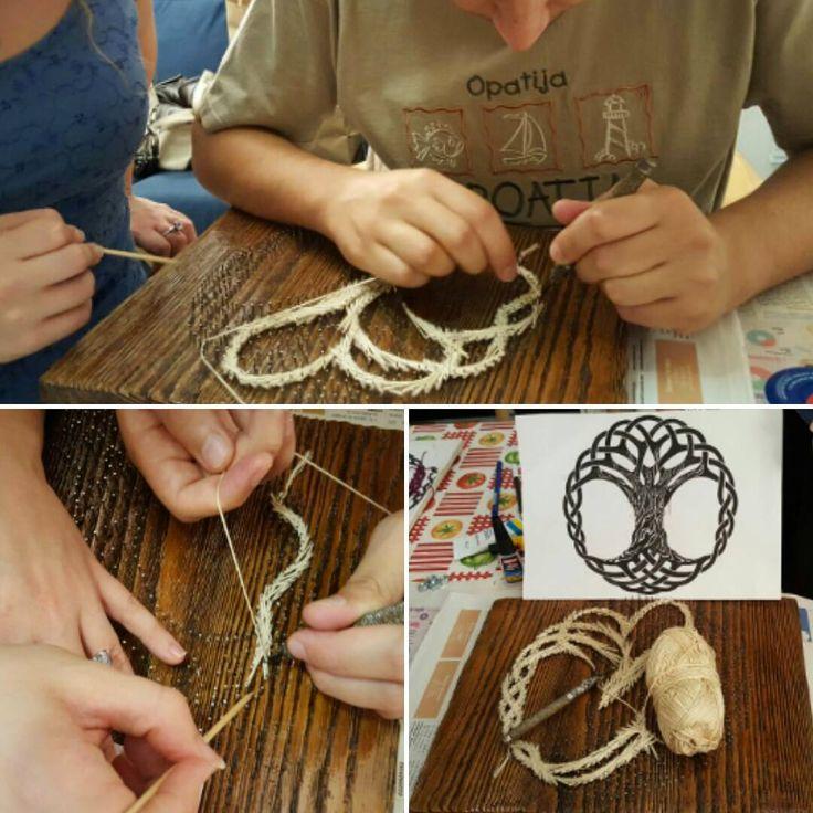 "Rici86 | Sara R. (@ricinisaorsa) su Instagram: ""#StringArt #workinprogress! #LRCrafts #DIY #doityourself #faidate #artigianato #artisan…"""