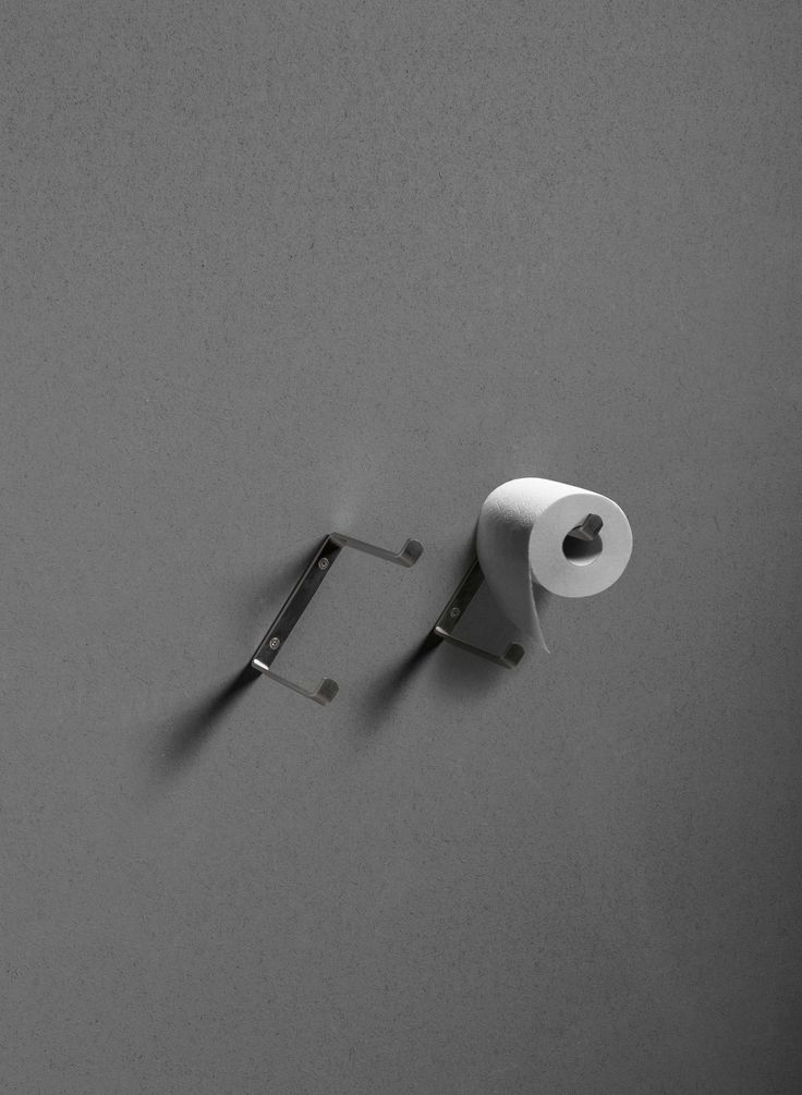 Toilet roll holder from the TWENTY collection.