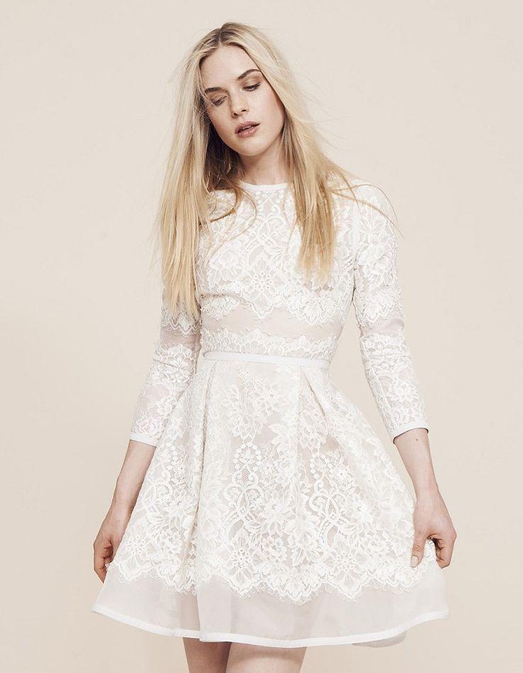 Les plus belles robes de mariée courtes - ELLE : Robe de mariée courte printemps-été 2015 Elie Saab chez Maria Luisa Mariage