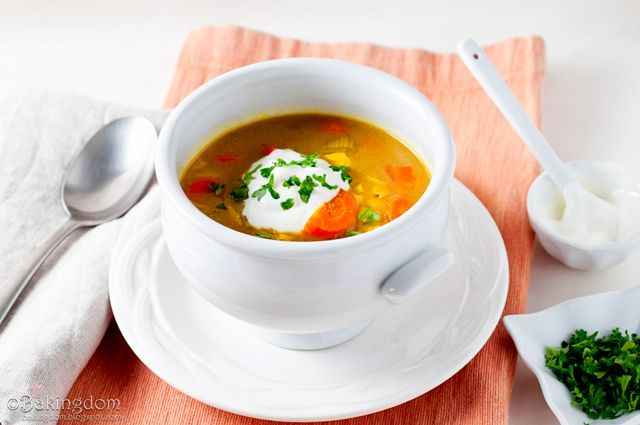 Mulligatawny soupSoup Ideas, Mulligatawny Soup, Milligatawny Soup, Curries Soup, Soup Indian, Milligatawni Soup, Mmmmmulligatawni Soup, Soup Chilis, Eating Soup