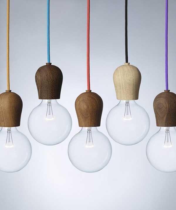 El portalámparas de madera de roble, Bright Sprout es fiel a la sencillez del diseño escandinavo. Admite varios tipos de cables y bombillas....