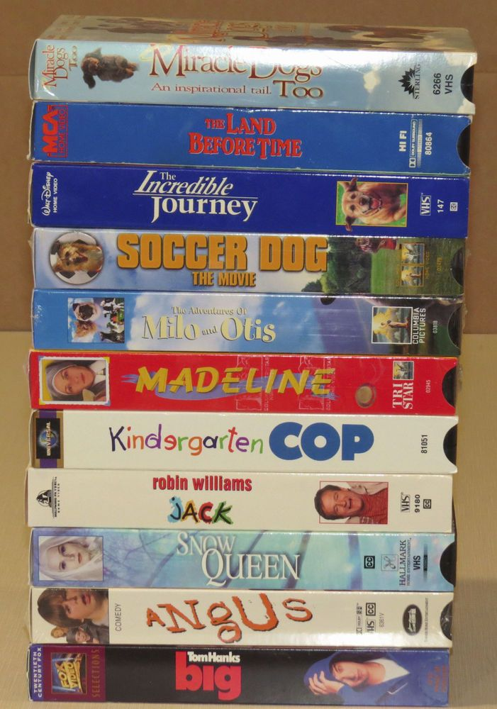 Lot of 11 VHS Family Movies Children's Comedy Adventure Animals - great variety!