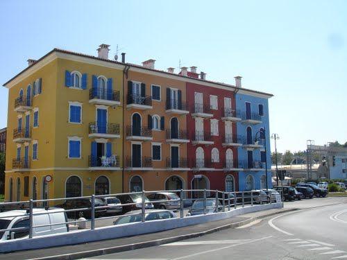 [250 battute] La vicina di casa > http://forum.nuovasolaria.net/index.php/topic,2405.msg38194.html#msg38194