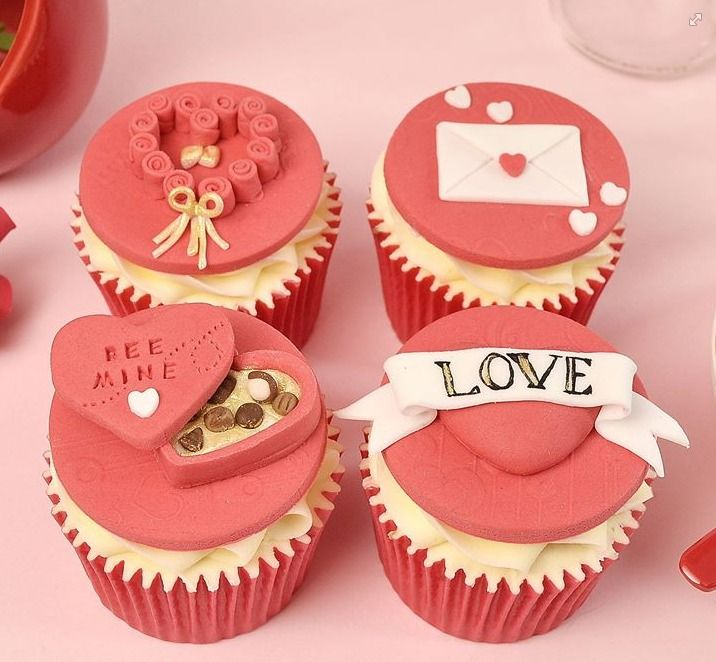Adorable Valentine cupcakes by The Yellow Bee Cake Company!