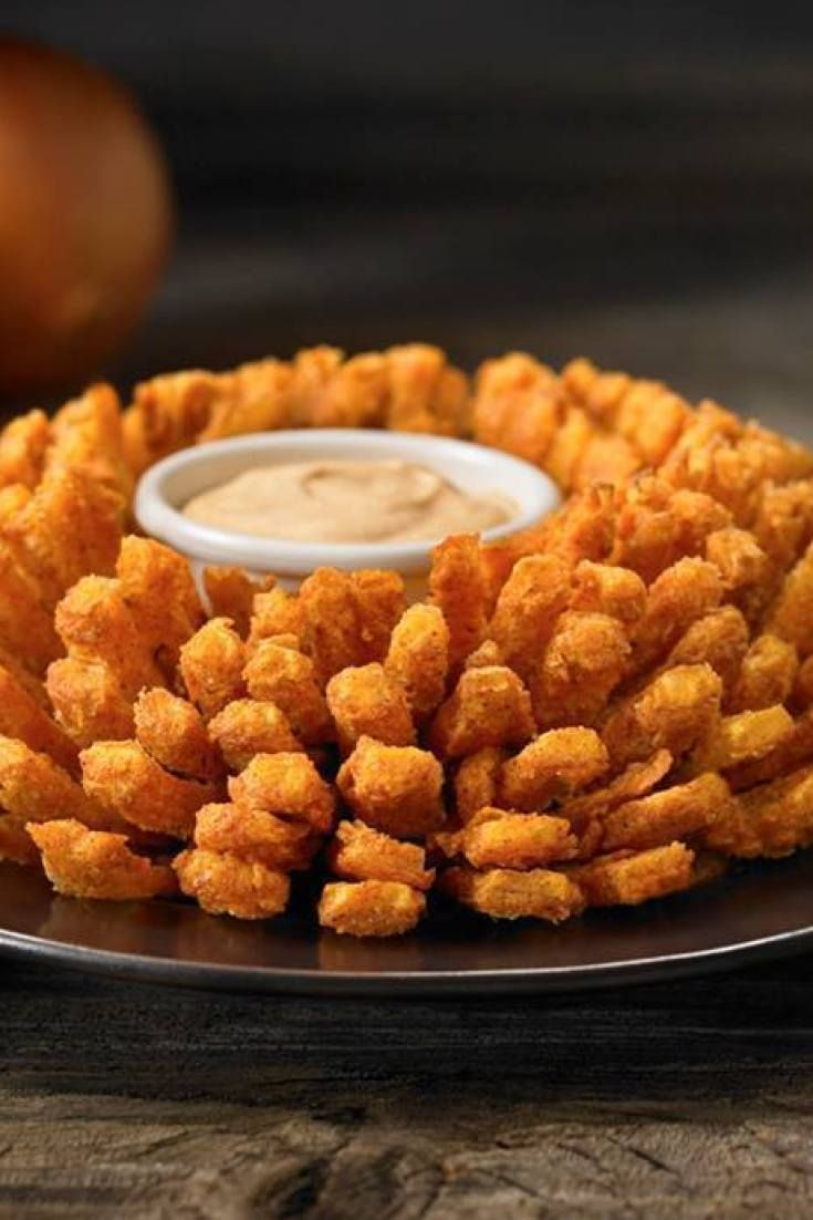 Here's how to make your own Bloomin' Onion at home