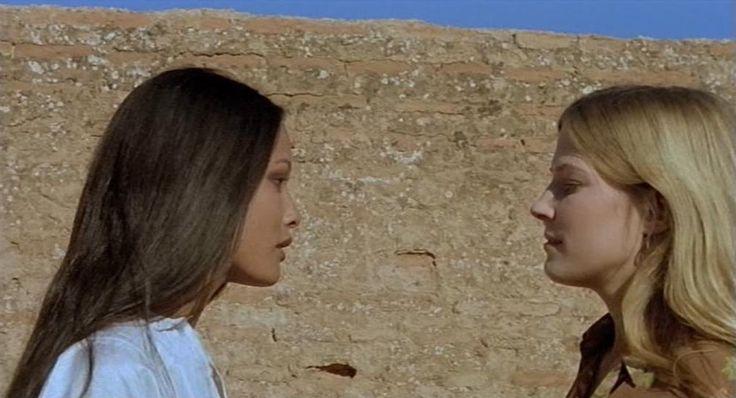 "Ely Galleani con Laura Gemser in ""Emanuelle nera - Orient Reportage"" (1976)"