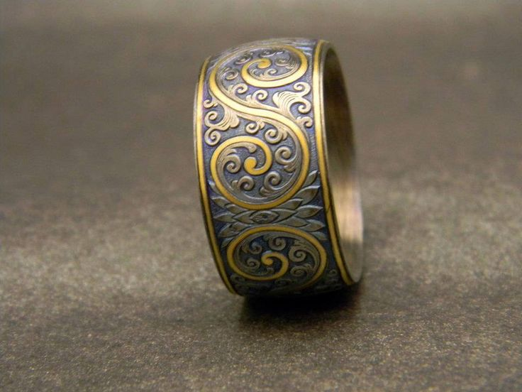 Platinum with 24K Gold Inlay Western Style Men's wedding band.