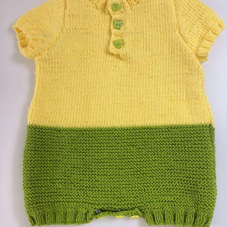 Trajecito de bebe bicolor, tejido a dos agujas y en algodón premiun 100%