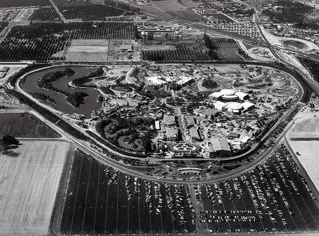 disneyland opens july 17 1955 | Disneyland, opening day, July 17, 1955.