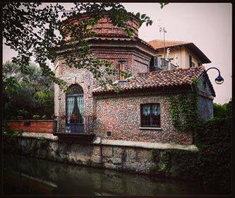 Buongiorno #Milano Eccoci sul naviglio della Martesana Foto di Antoine Laguerre #milanodavedere Milano da Vedere
