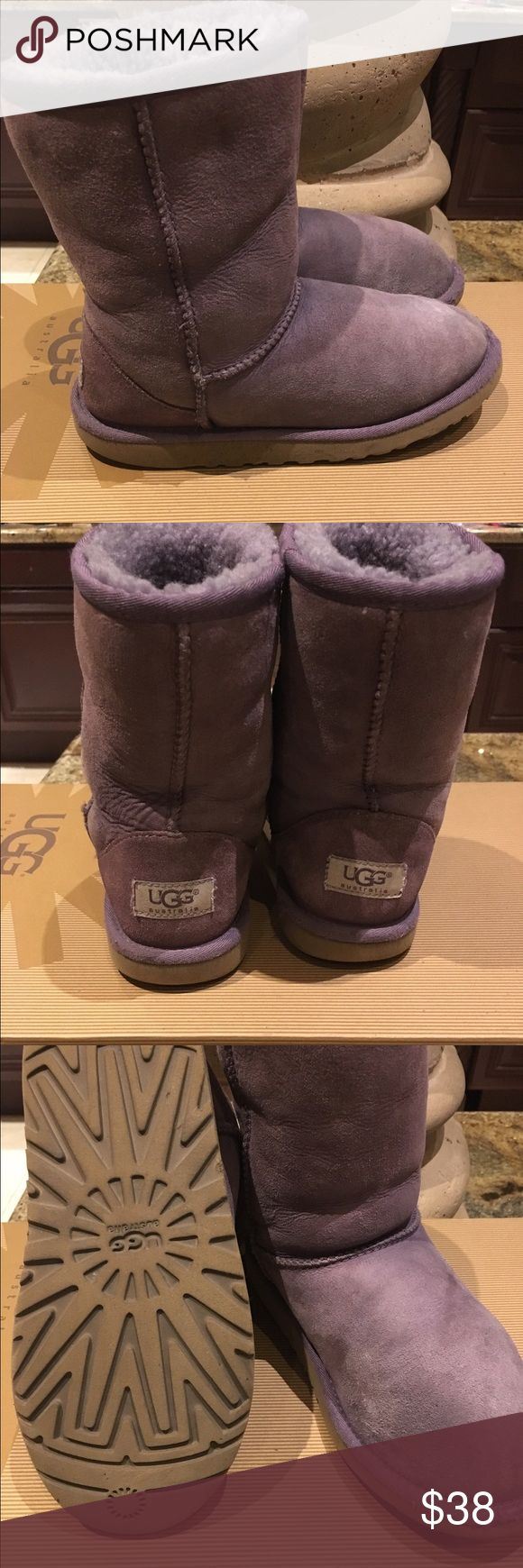 UGG girls boots size 4 UGG boots girls size 4, in good used condition, with normal sings of wear. UGG Shoes Boots