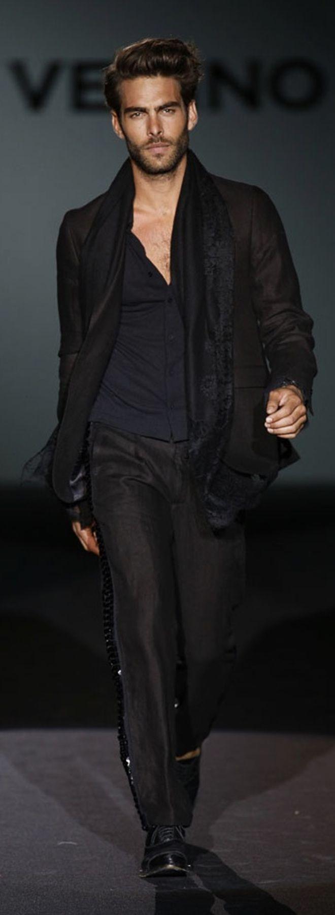 Jon Kortajarena  - Roberto Verino MBFWM P/V 2014 Menswear Fashion