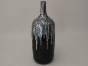 DecoArt24.pl Wazon ceramiczny 16x42cm -  Wazon w formie butelki w czarnym kolorze. Ozdobiony jest u góry mozaiką wykonaną z masy perłowej. Można napełniać go wodą. Doskonale prezentuje się z jedną różą, chodź sam w sobie jest świetną ozdobą. Sprawdzi się zarówno w nowoczesnych jak i tradycyjnie urządzonych wnętrzach. #DecoArt24.pl #sophisticated #wspaniale #exquisite