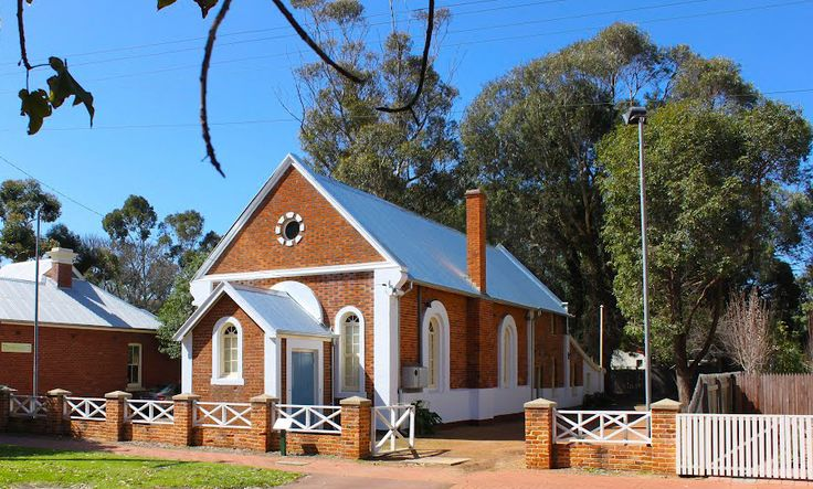 Explore the historic rich town of Guildford, one of three towns established during the founding of the Swan River Colony in 1829.