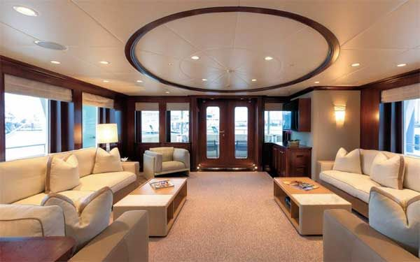 Expedition Yacht Main Salon