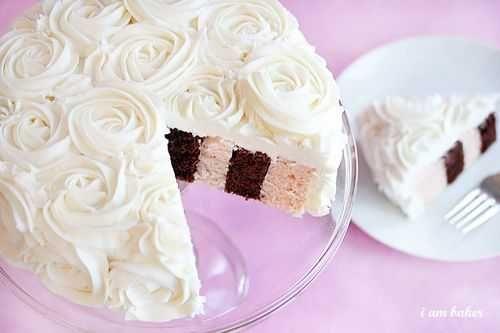 Rose Cake Tutorial via iambaker.net: Layered Cakes, Rose Frostings, Chocolates Strawberries, Wedding Cakes, White Cakes, Rose Cakes Tutorials, Baker, Diy Wedding, Birthday Cakes