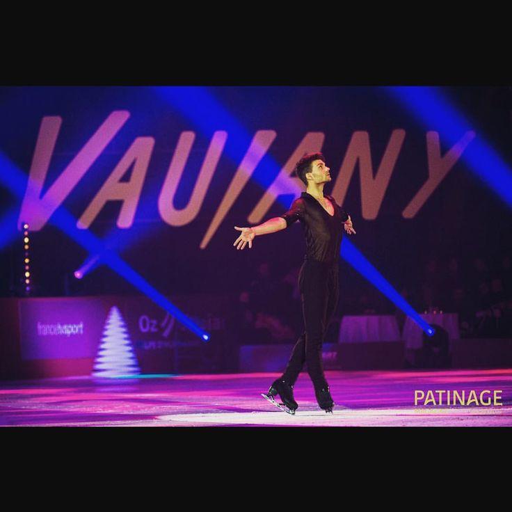 """127 Likes, 1 Comments - Romain Ponsart (@romainponsart) on Instagram: """"Gala de Vaujany dimanche à 15h50 sur France 3 📺🎄❤️"""""""